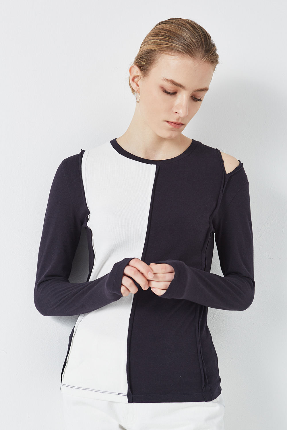 Shoulder Slit Point T-shirt Navy