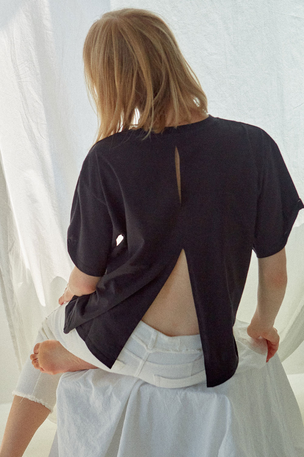 Back Slit T-shirt Black